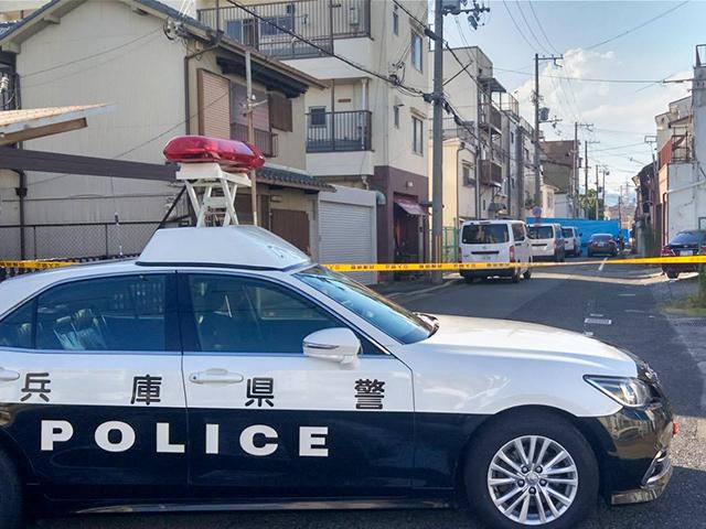 兵庫県警によって封鎖された銃撃現場周辺 (C)週刊実話 無断転載禁止